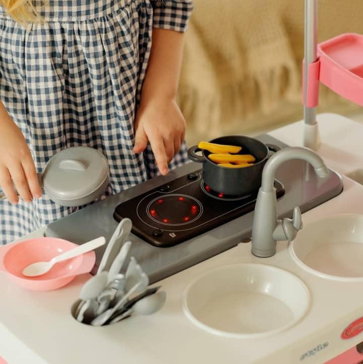 Animační program pro děti Malí kuchtíci - kuchyň